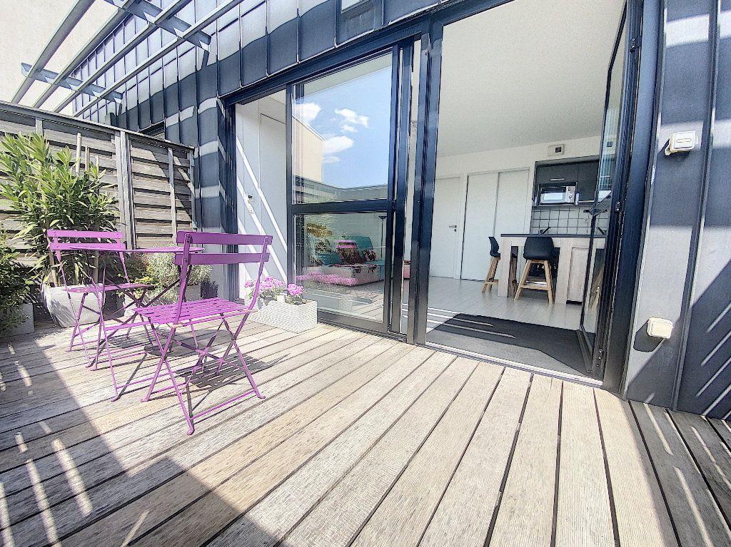 Appartement à vendre 2 35m2 à La Rochelle vignette-1