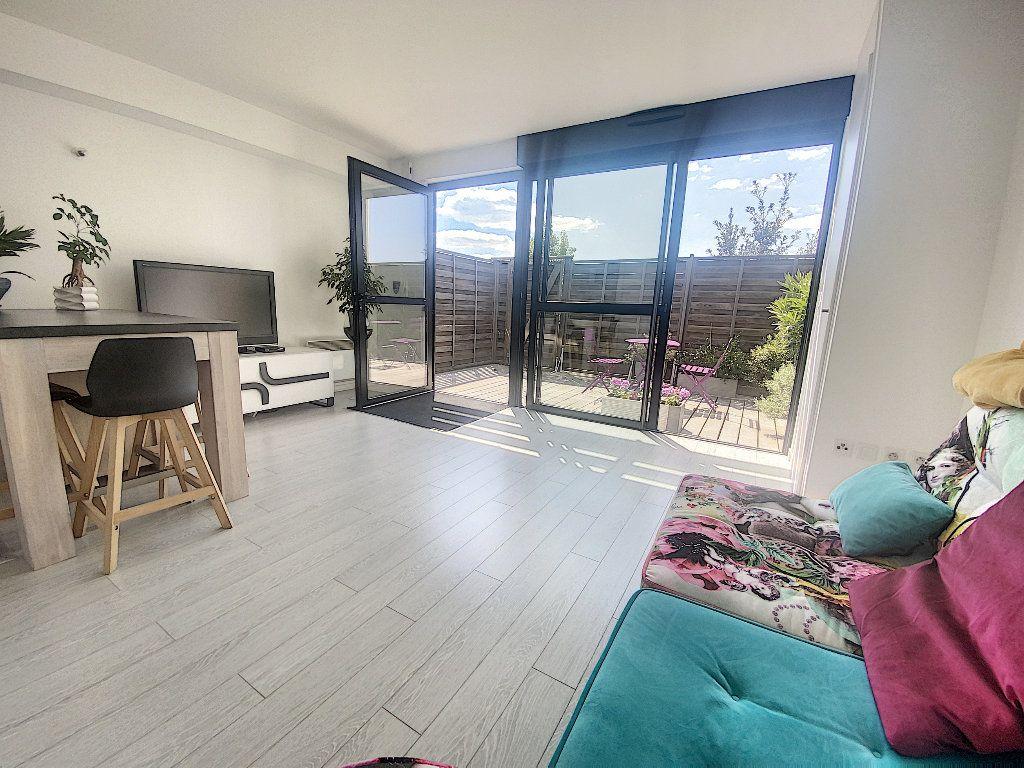 Appartement à vendre 2 35m2 à La Rochelle vignette-2