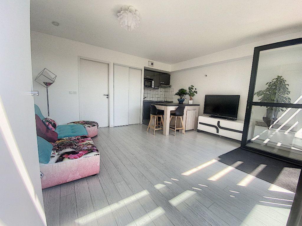 Appartement à vendre 2 35m2 à La Rochelle vignette-3