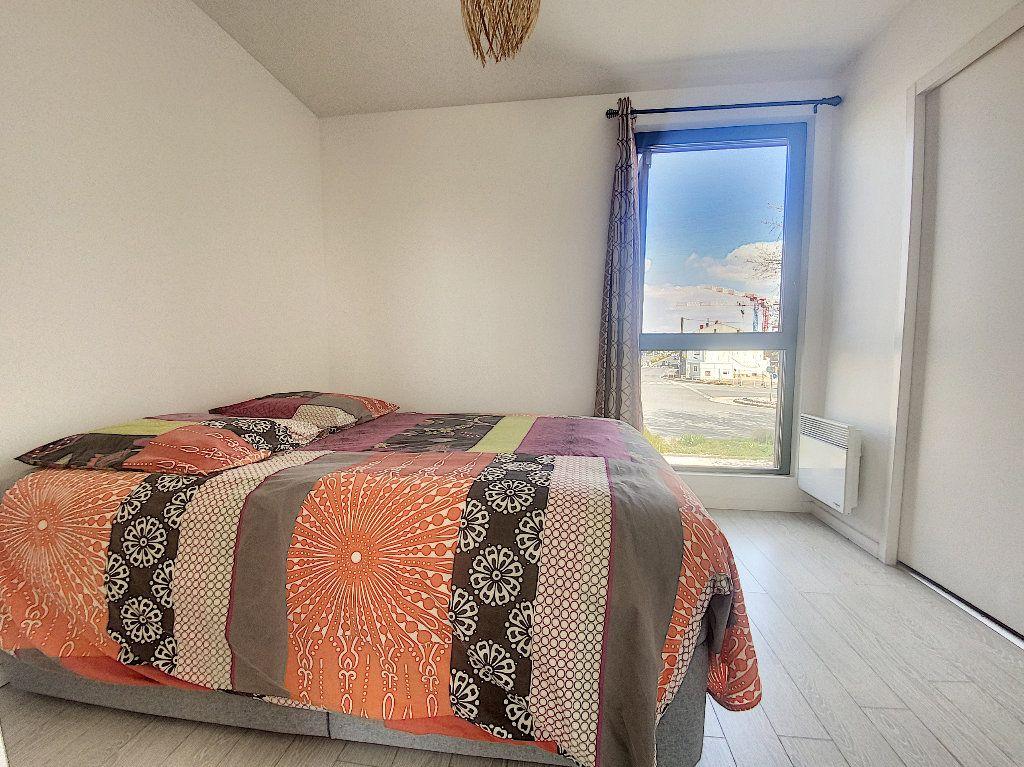 Appartement à vendre 2 35m2 à La Rochelle vignette-5