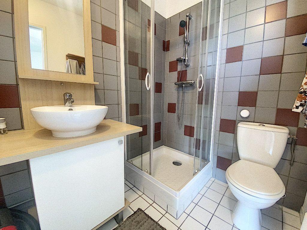 Appartement à vendre 2 35m2 à La Rochelle vignette-6