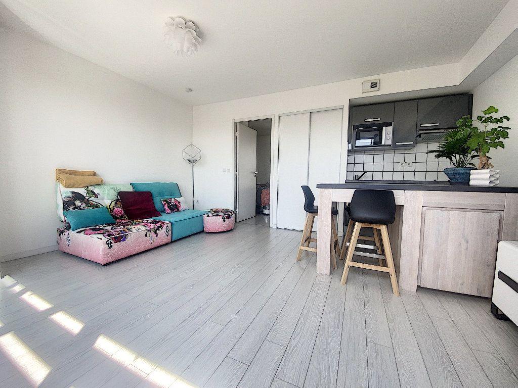 Appartement à vendre 2 35m2 à La Rochelle vignette-7