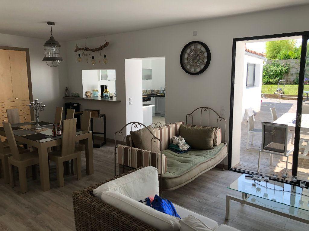 Maison à vendre 7 240m2 à La Rochelle vignette-1