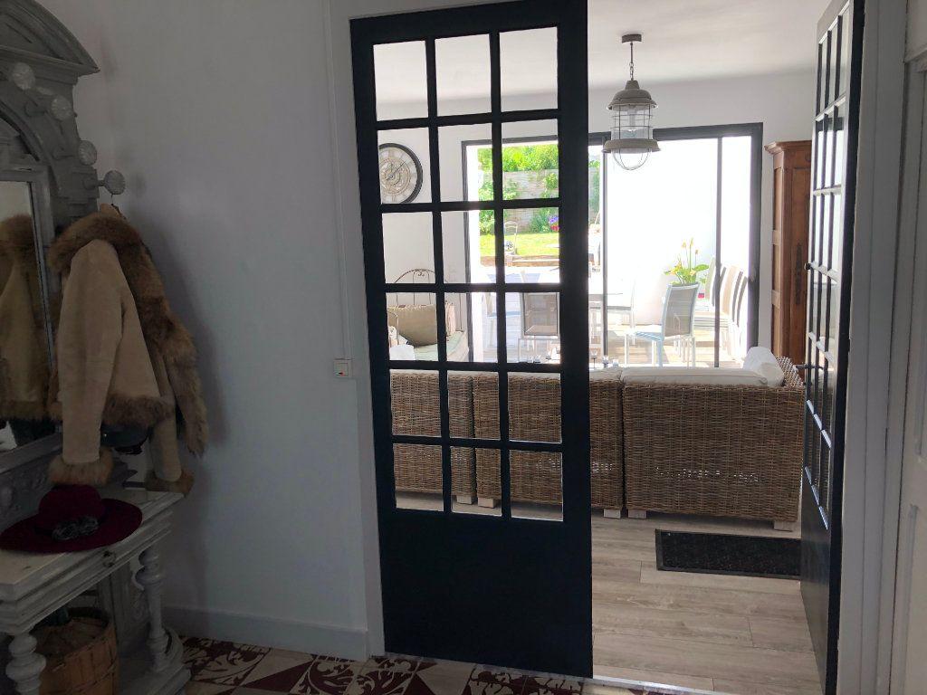 Maison à vendre 7 240m2 à La Rochelle vignette-3