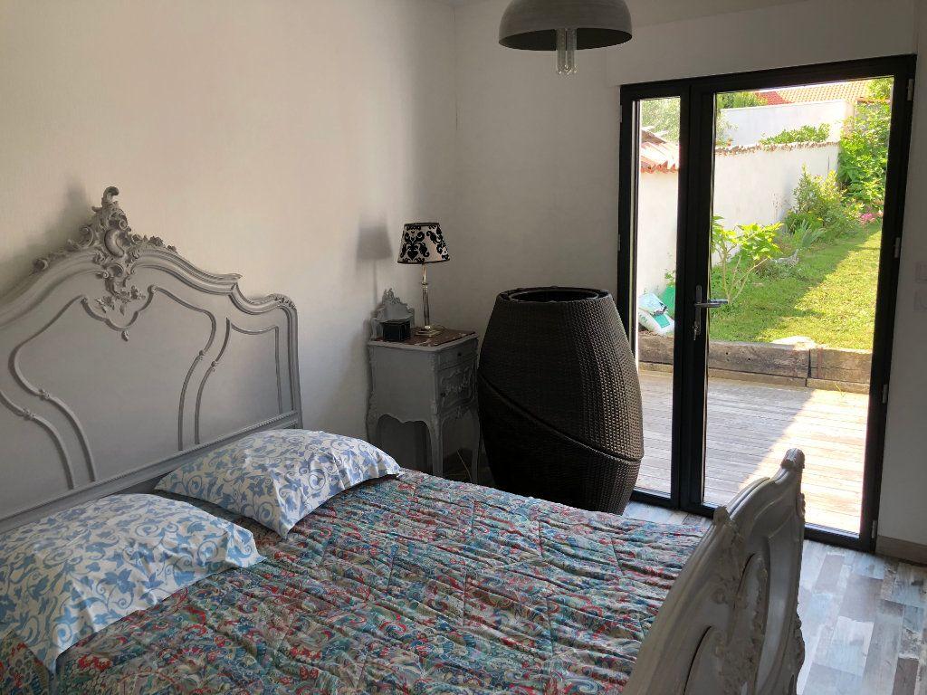 Maison à vendre 7 240m2 à La Rochelle vignette-7