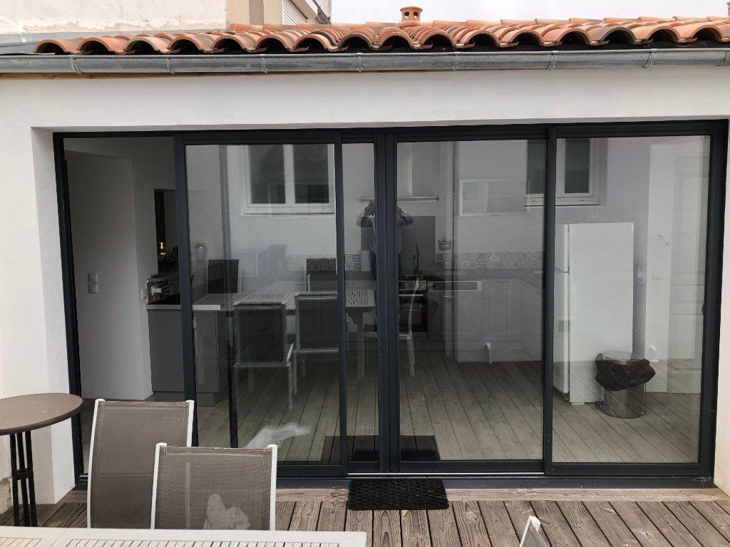 Maison à vendre 7 240m2 à La Rochelle vignette-8