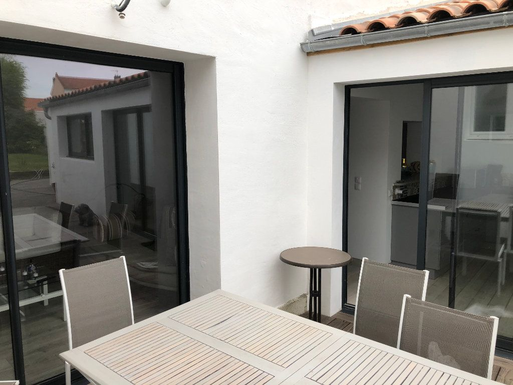 Maison à vendre 7 240m2 à La Rochelle vignette-10