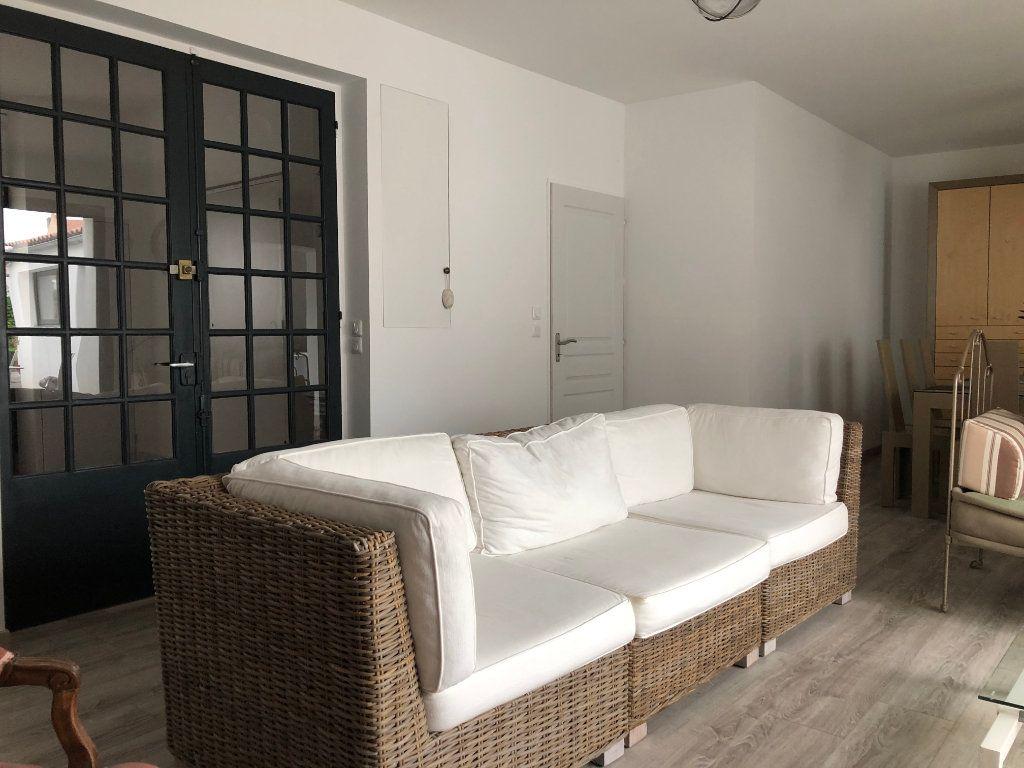 Maison à vendre 7 240m2 à La Rochelle vignette-11