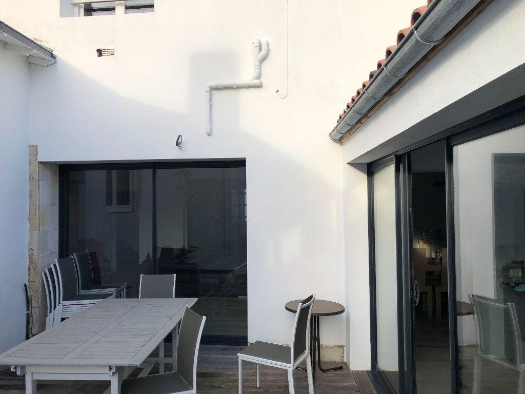 Maison à vendre 7 240m2 à La Rochelle vignette-13