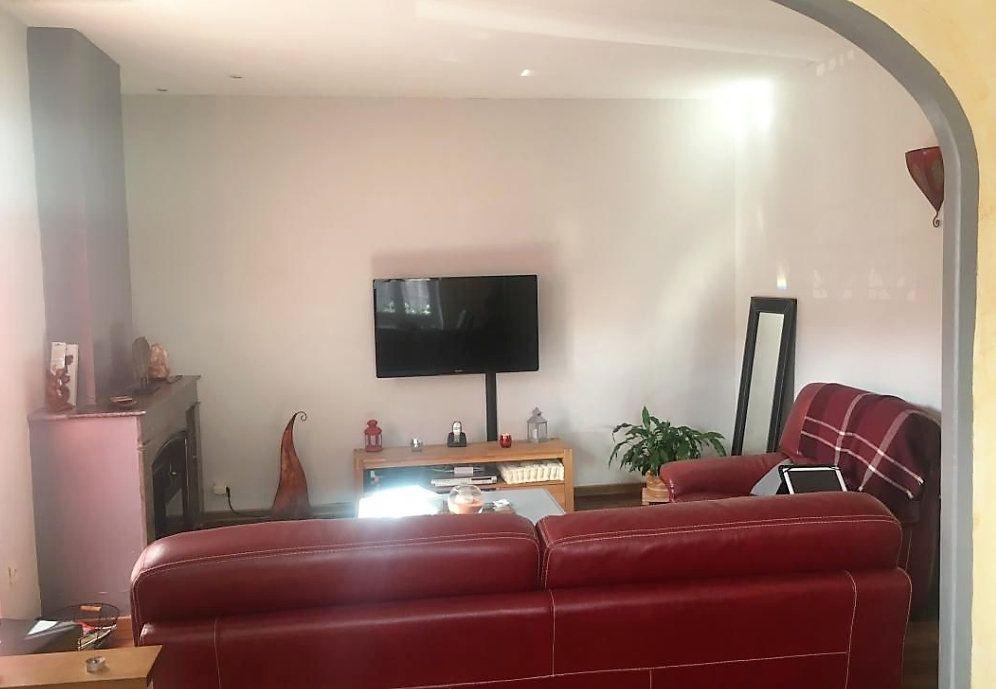 Appartement à vendre 5 126m2 à Laragne-Montéglin vignette-1