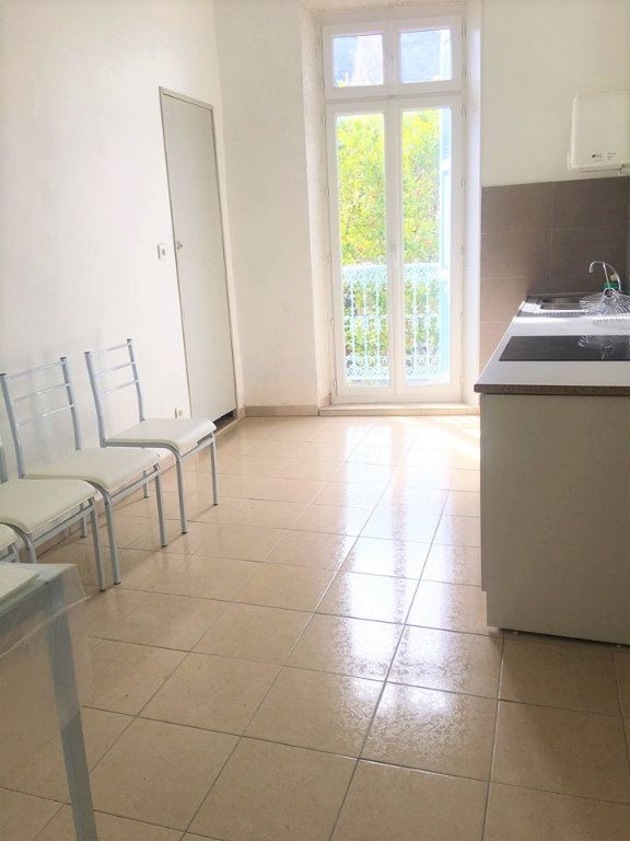 Appartement à vendre 4 100m2 à Laragne-Montéglin vignette-4