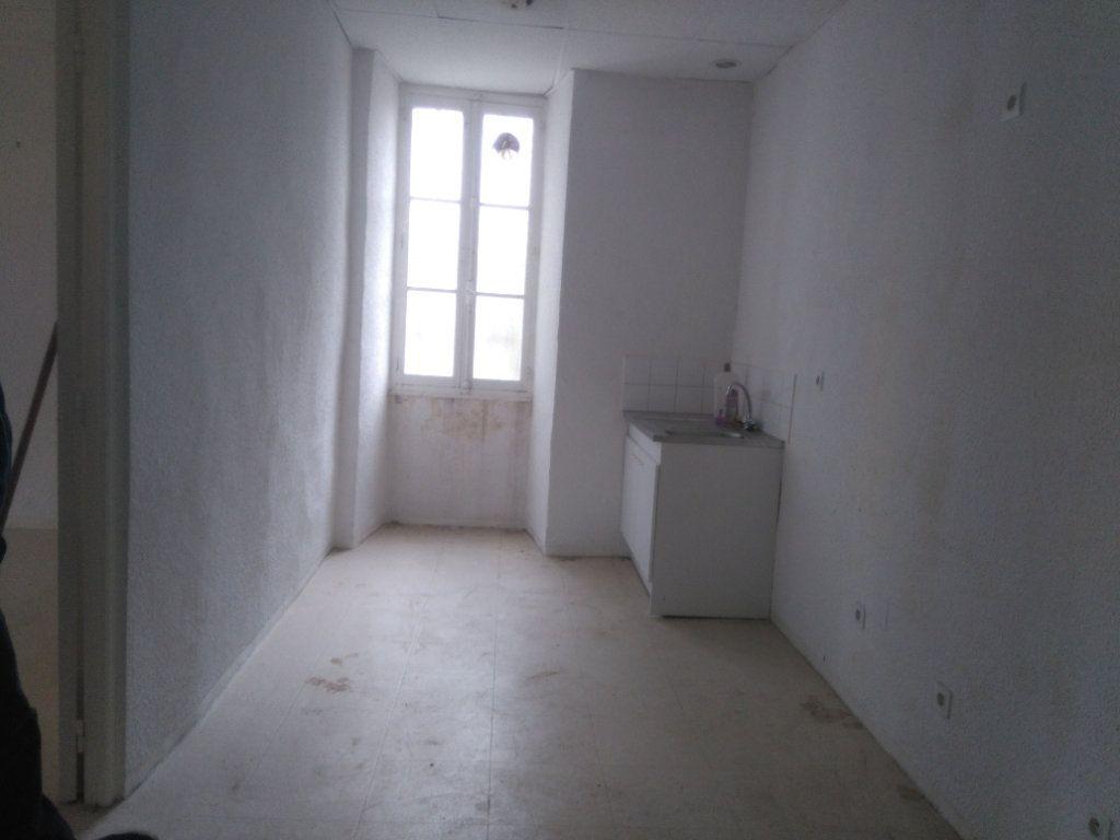 Appartement à vendre 3 60m2 à Laragne-Montéglin vignette-1
