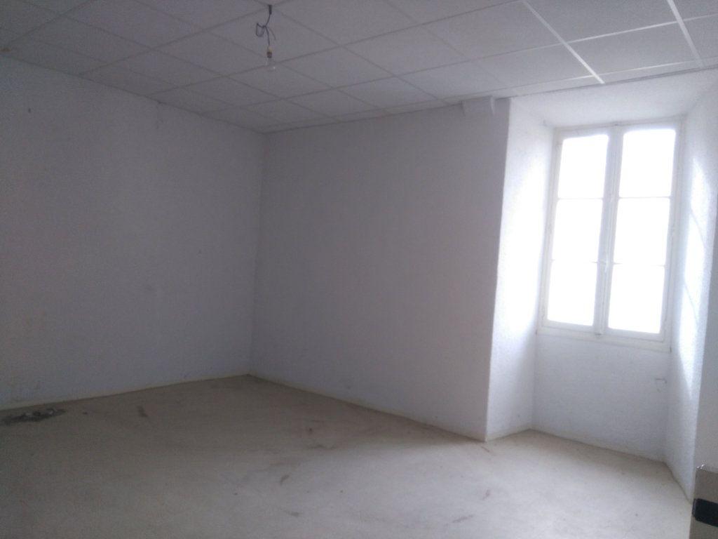 Appartement à vendre 3 60m2 à Laragne-Montéglin vignette-2