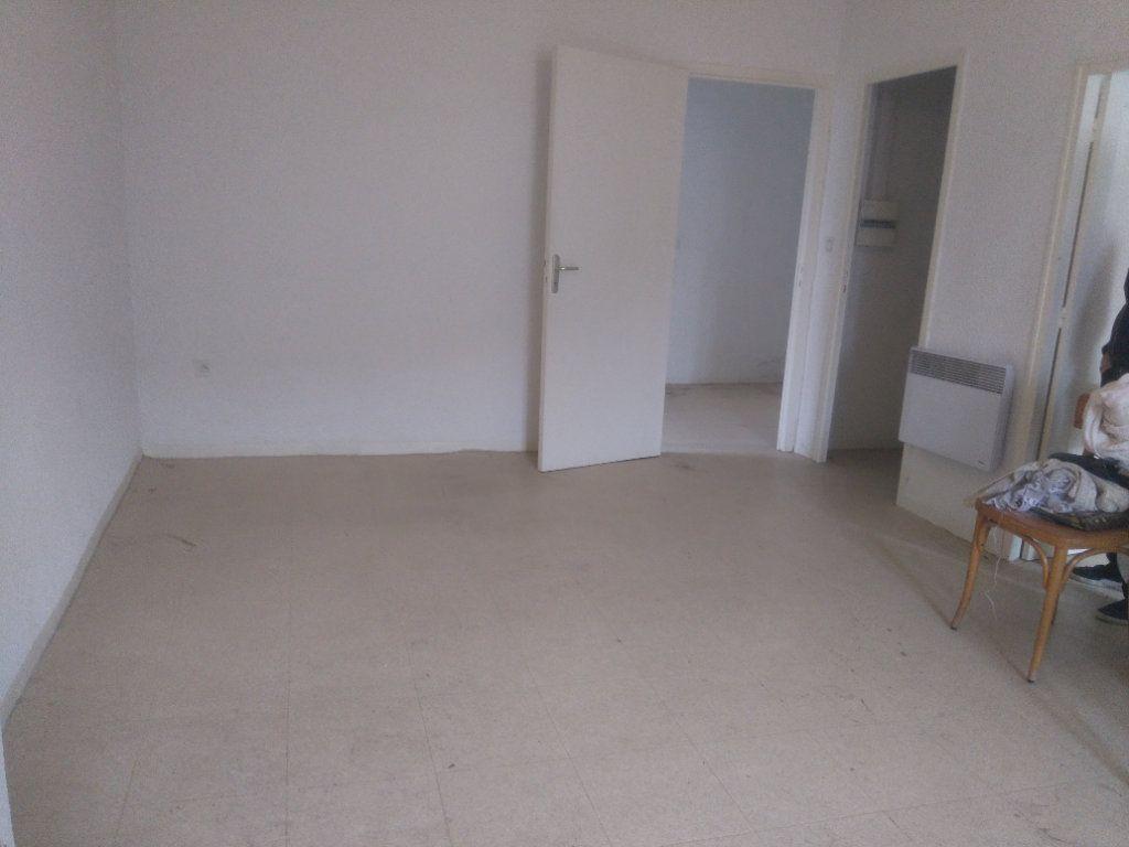 Appartement à vendre 3 60m2 à Laragne-Montéglin vignette-3