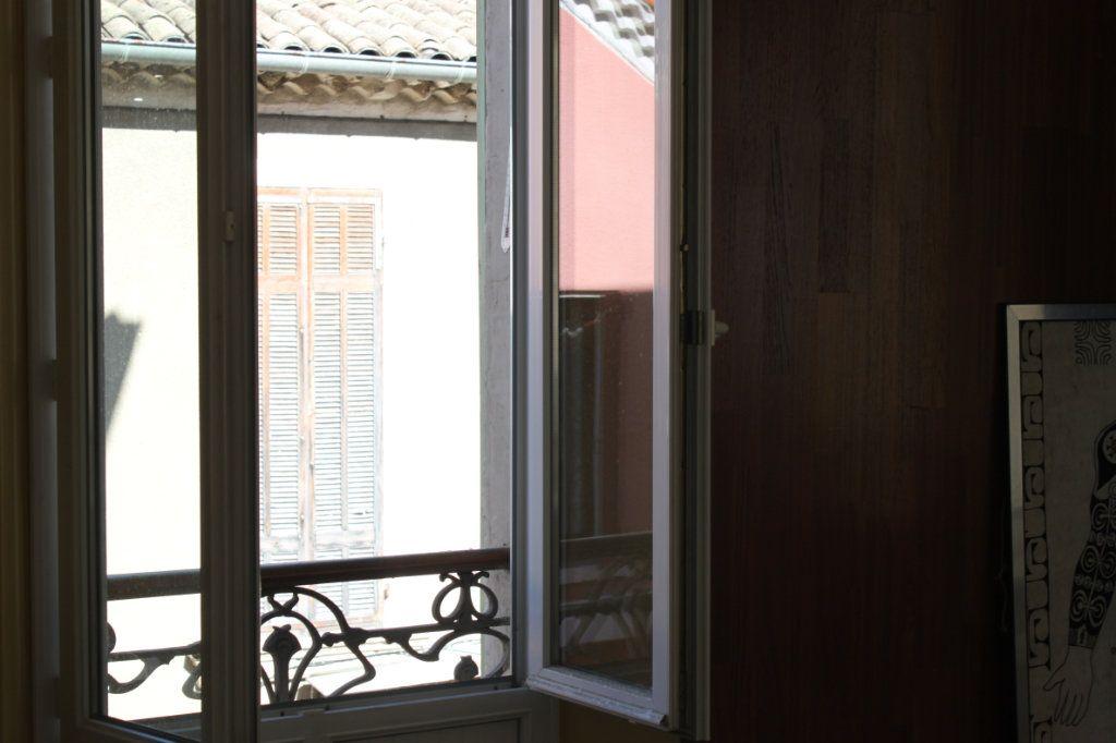 Appartement à vendre 3 65.2m2 à Laragne-Montéglin vignette-3