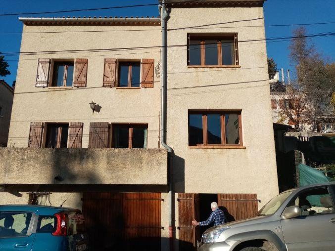 Maison à vendre 6 209m2 à Laragne-Montéglin vignette-1