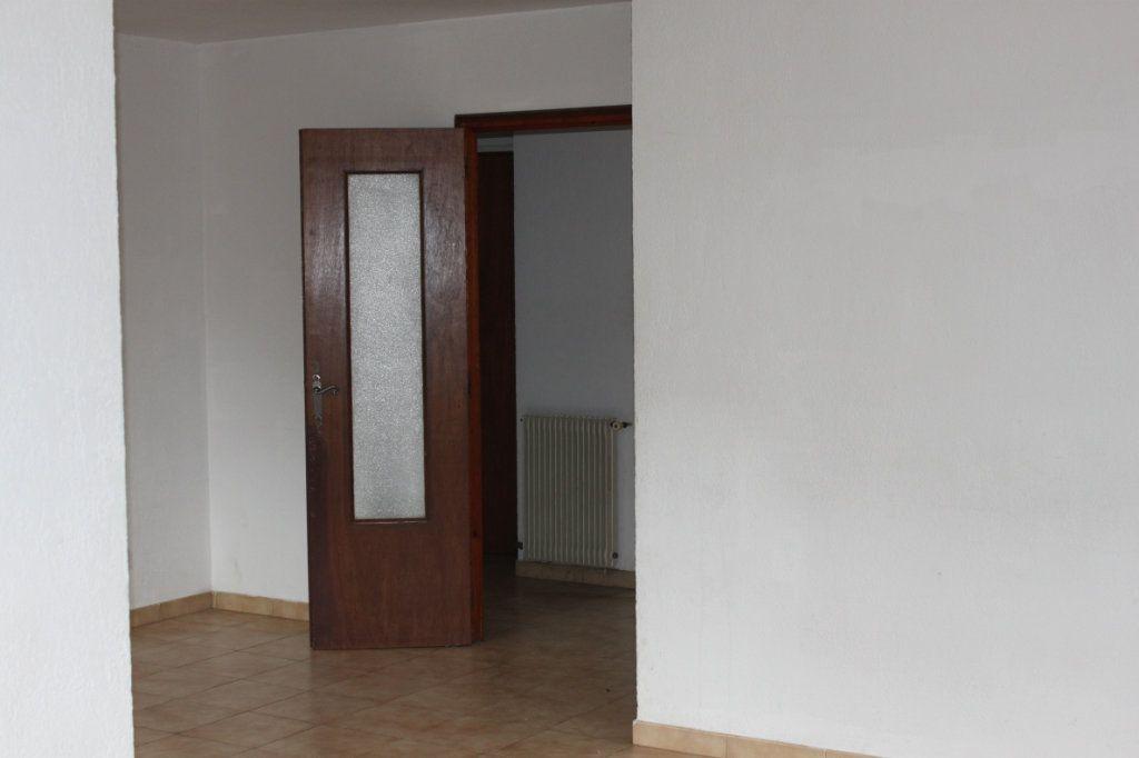 Maison à vendre 6 209m2 à Laragne-Montéglin vignette-10