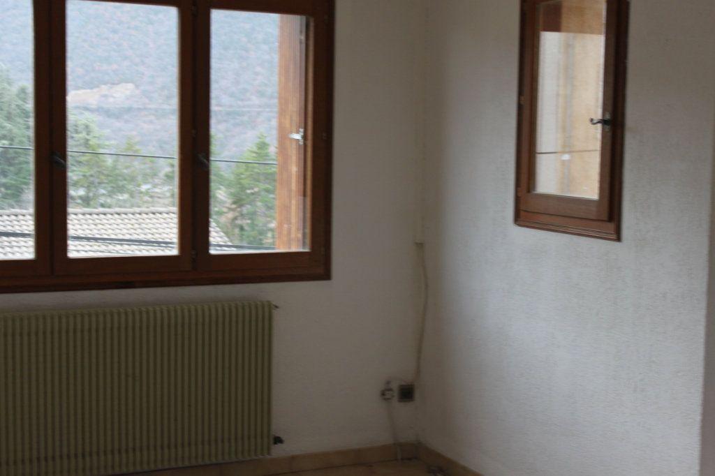 Maison à vendre 6 209m2 à Laragne-Montéglin vignette-13