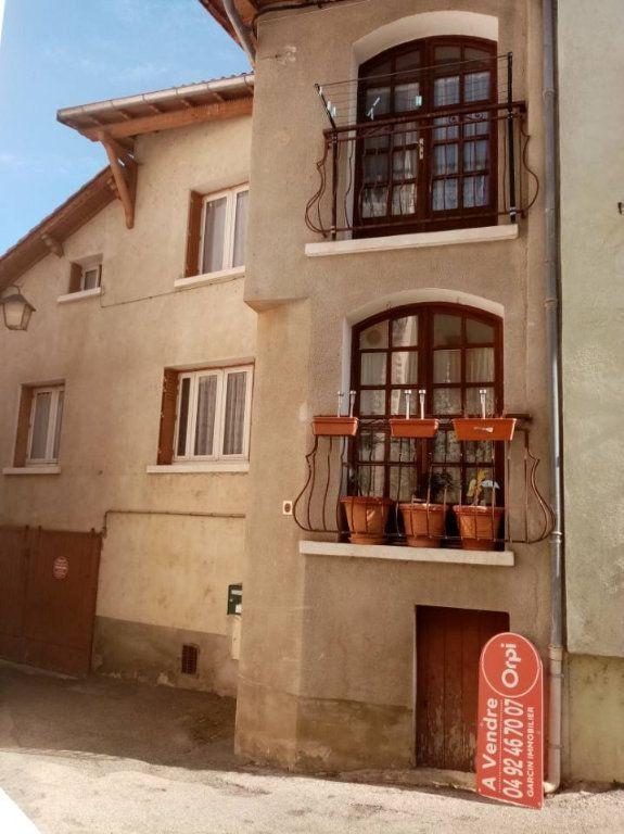 Maison à vendre 5 130m2 à Laragne-Montéglin vignette-1