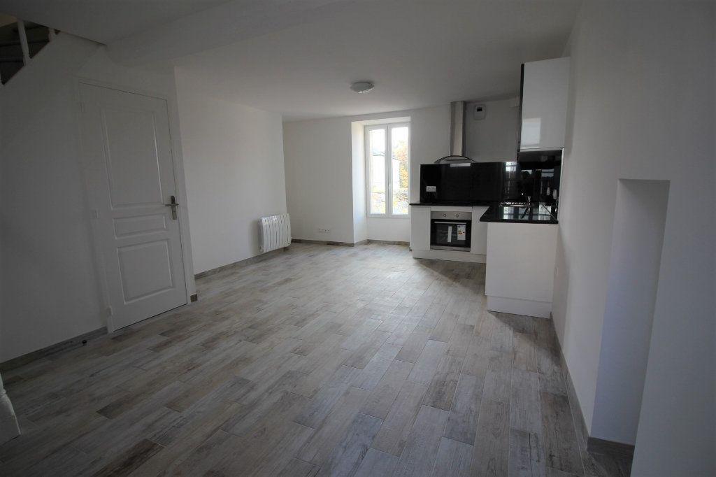 Appartement à louer 3 60m2 à Méréville vignette-1