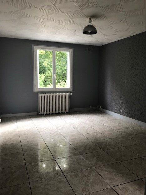 Appartement à louer 3 63m2 à Angerville vignette-1