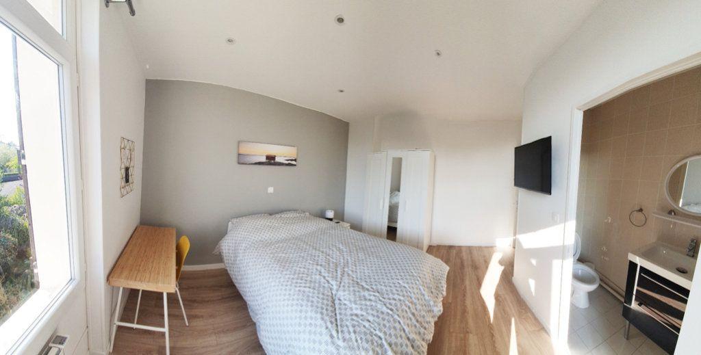 Appartement à louer 1 70m2 à Fleury-les-Aubrais vignette-2