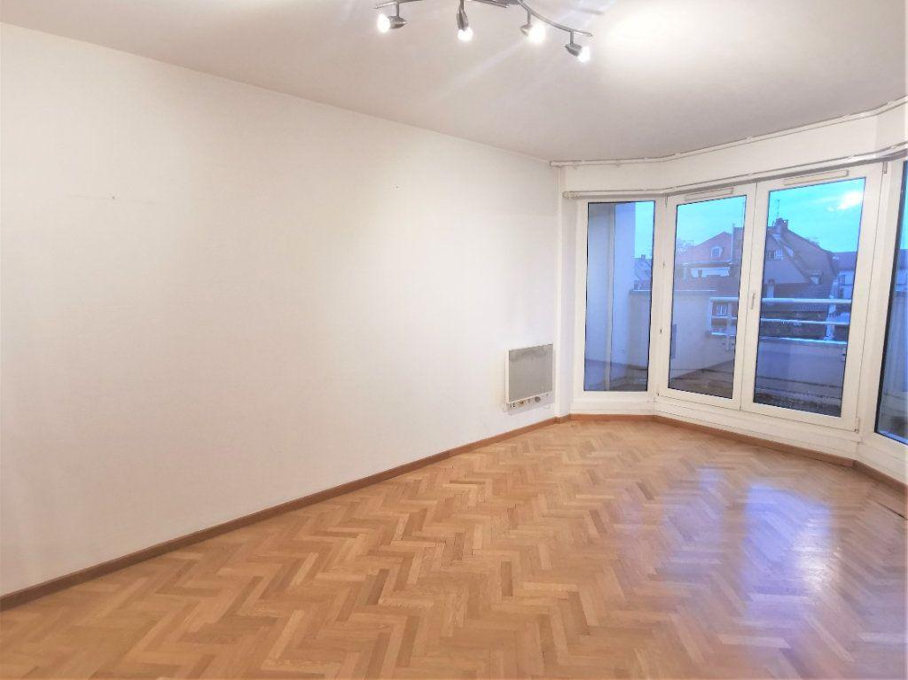 Appartement à louer 2 38.5m2 à Strasbourg vignette-1