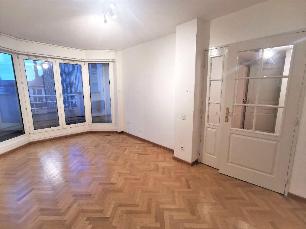 Appartement à louer 2 38.5m2 à Strasbourg vignette-5