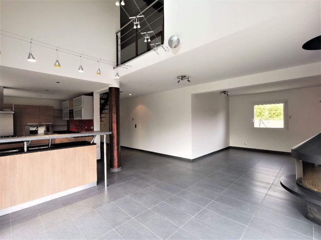 Maison à louer 6 135.33m2 à Lingolsheim vignette-2