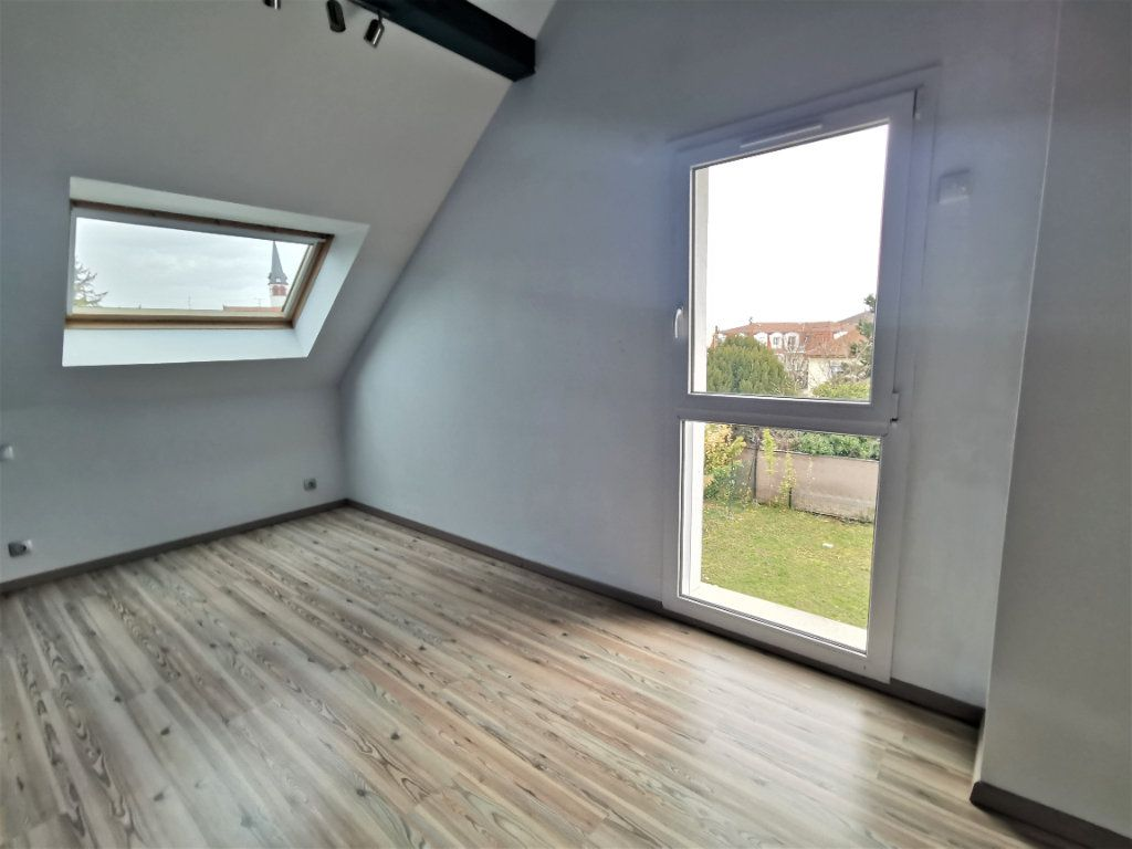 Maison à louer 6 135.33m2 à Lingolsheim vignette-7