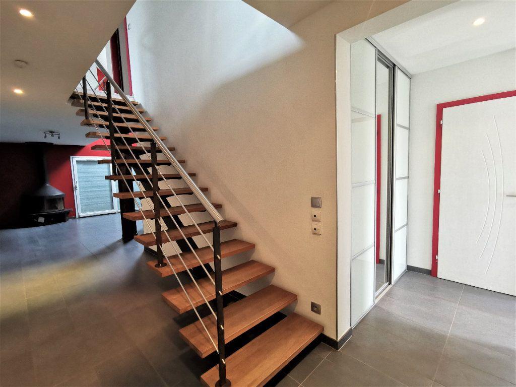 Maison à louer 6 135.33m2 à Lingolsheim vignette-8