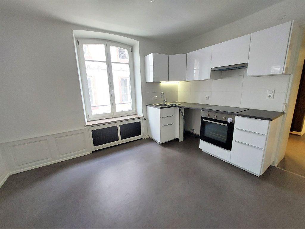 Appartement à louer 4 89.74m2 à Strasbourg vignette-3