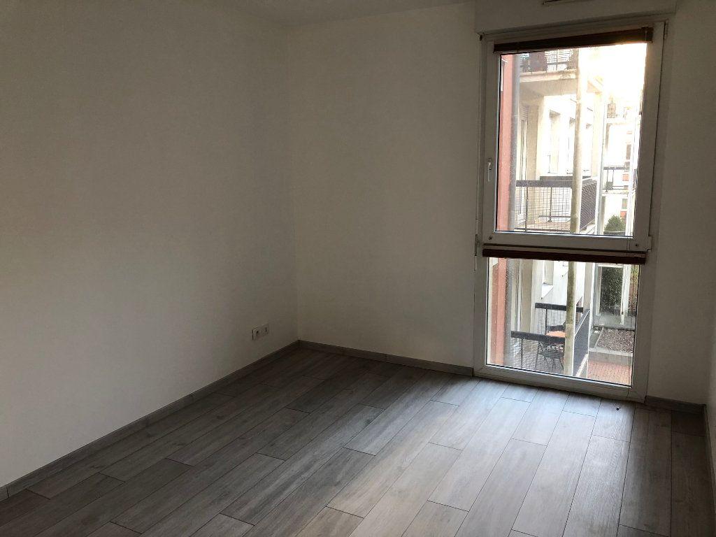 Appartement à louer 3 59.5m2 à Strasbourg vignette-3