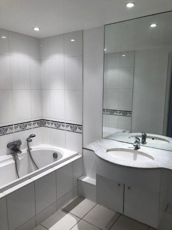 Appartement à louer 3 59.5m2 à Strasbourg vignette-5