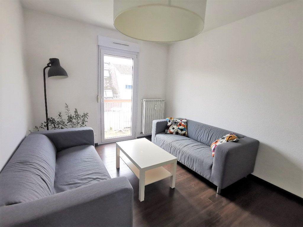 Appartement à louer 3 61.37m2 à Strasbourg vignette-1