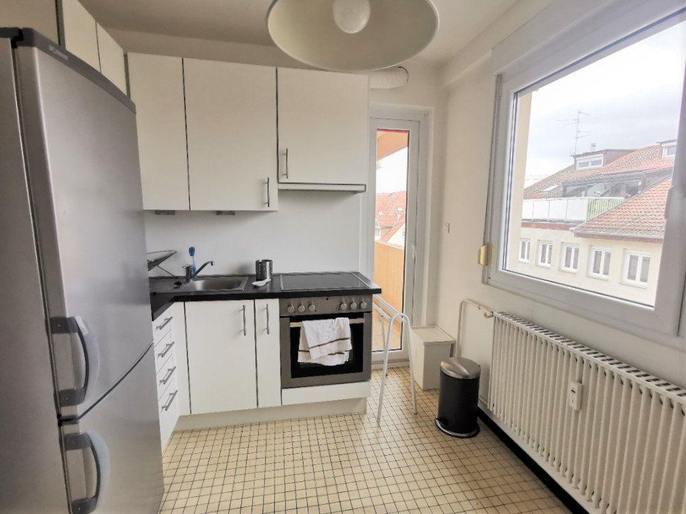 Appartement à louer 3 61.37m2 à Strasbourg vignette-2