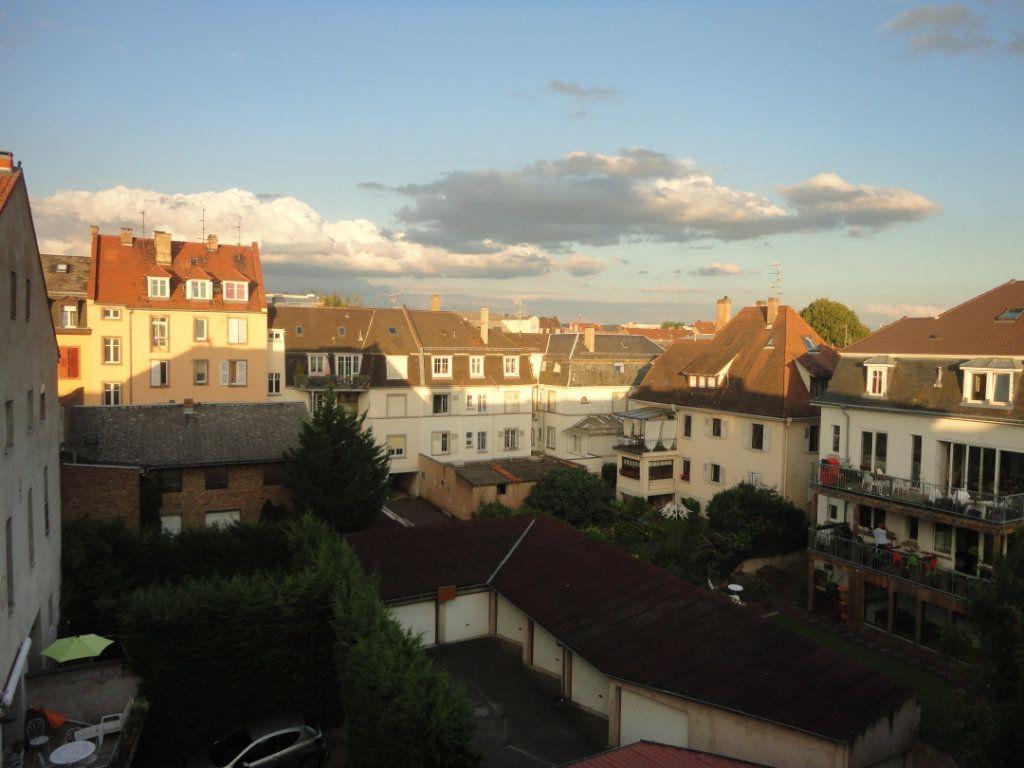 Appartement à louer 3 61.37m2 à Strasbourg vignette-6