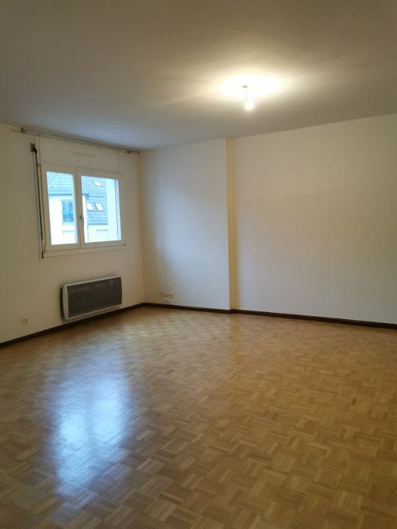 Appartement à louer 2 56.55m2 à Strasbourg vignette-1