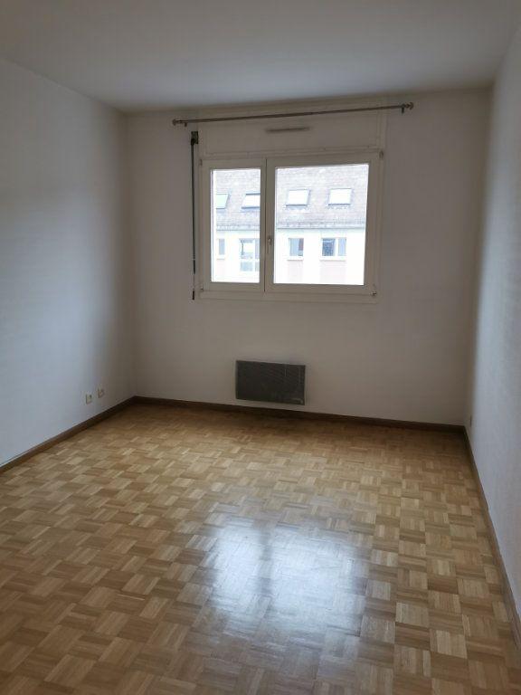 Appartement à louer 2 56.55m2 à Strasbourg vignette-3