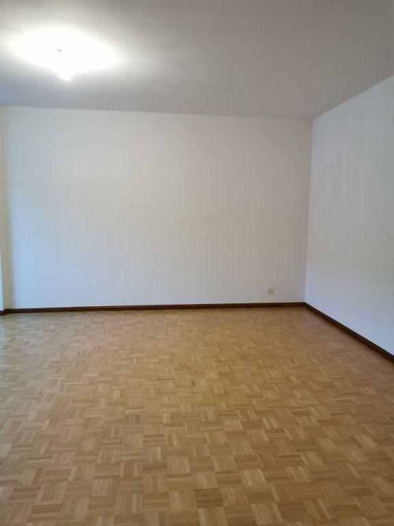 Appartement à louer 2 56.55m2 à Strasbourg vignette-4