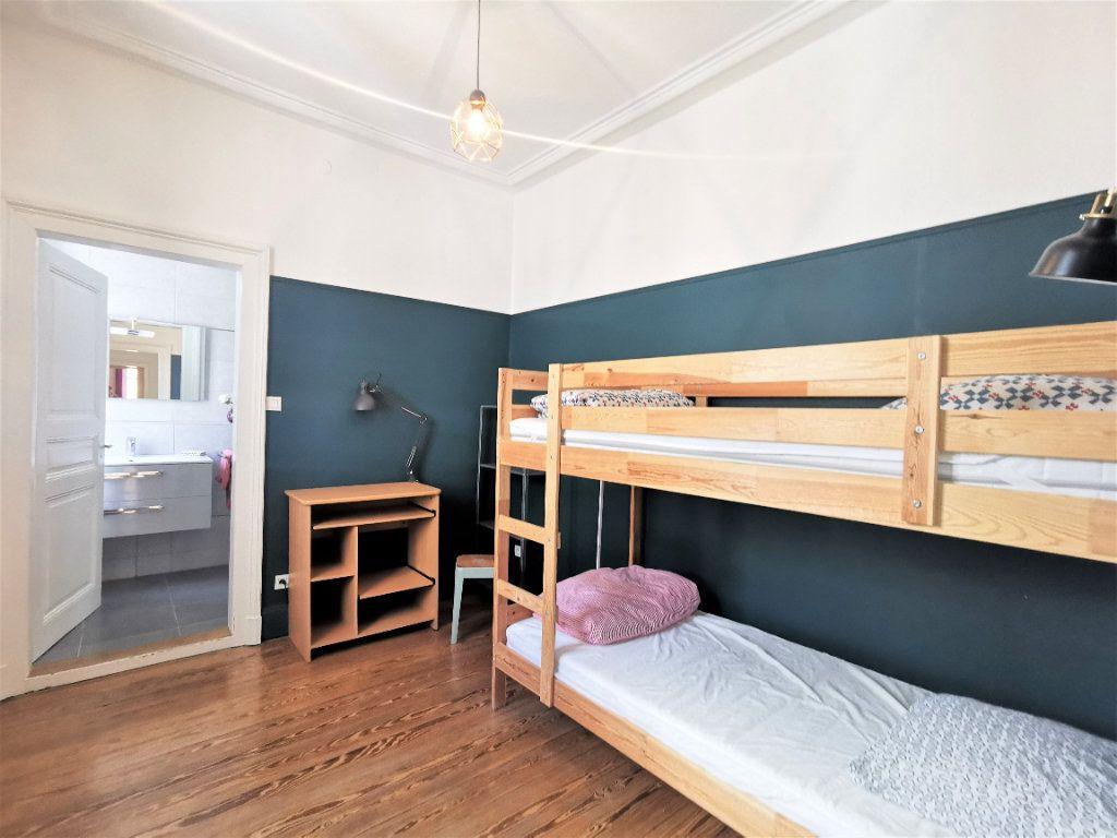 Appartement à louer 4 83.1m2 à Strasbourg vignette-7