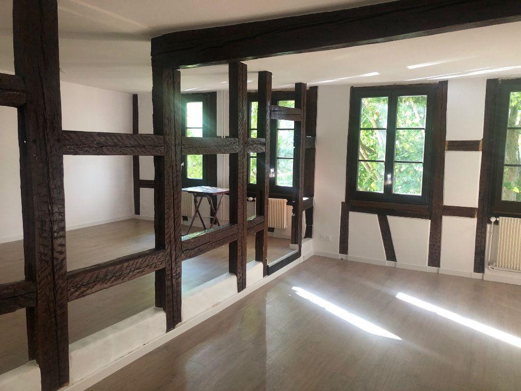 Appartement à louer 1 54m2 à Strasbourg vignette-1