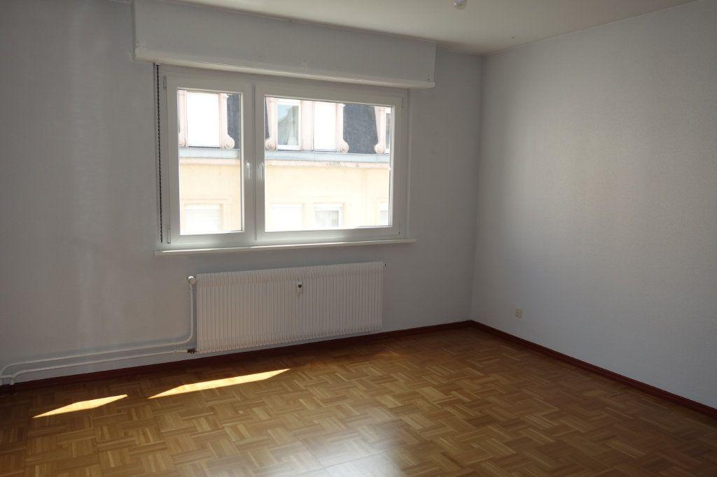 Appartement à louer 3 64.52m2 à Strasbourg vignette-3