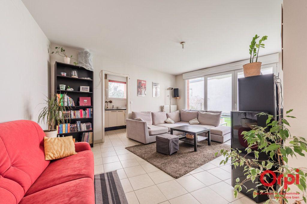 Appartement à vendre 3 65.9m2 à Strasbourg vignette-1