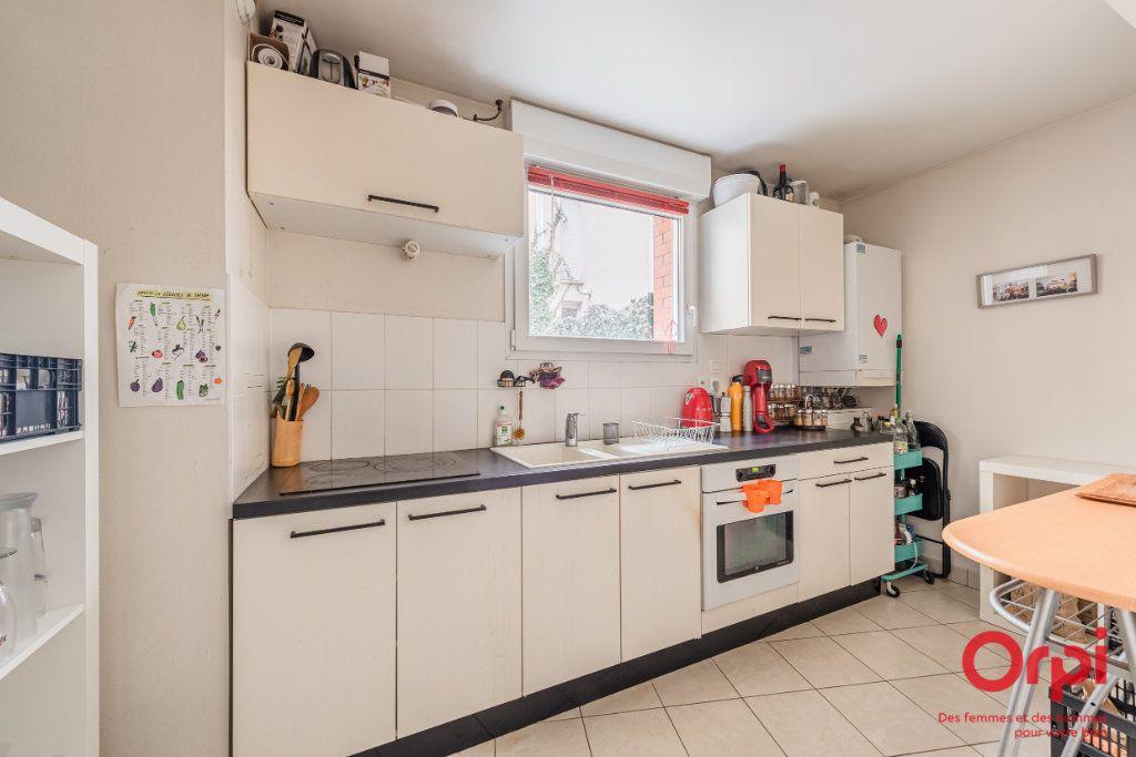 Appartement à vendre 3 65.9m2 à Strasbourg vignette-4