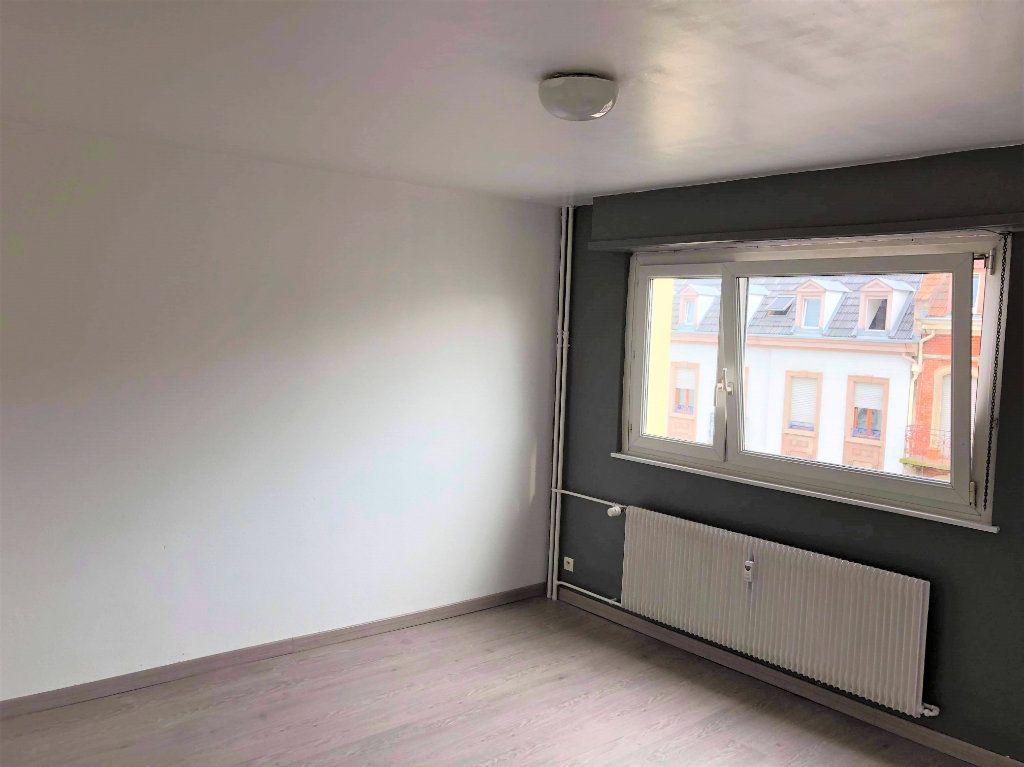 Appartement à louer 1 26.1m2 à Strasbourg vignette-1
