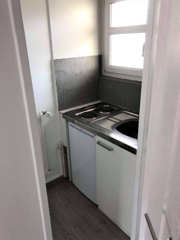 Appartement à louer 1 26.1m2 à Strasbourg vignette-2