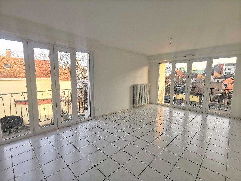 Appartement à louer 4 110.29m2 à Bischheim vignette-1
