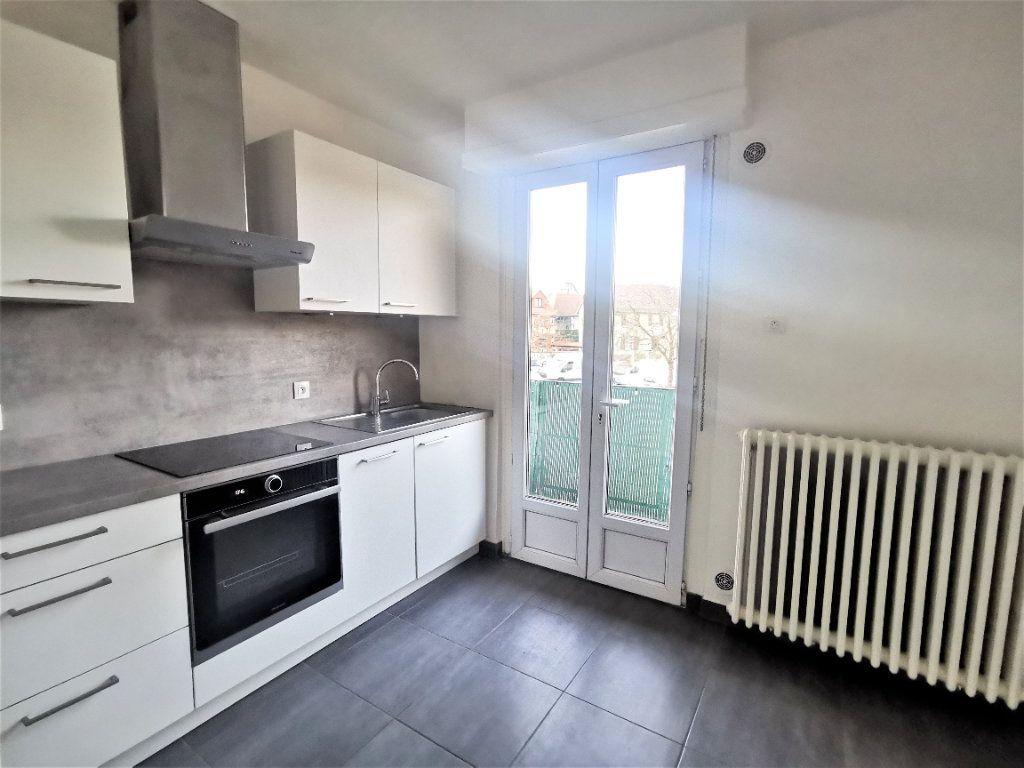 Appartement à louer 4 110.29m2 à Bischheim vignette-3