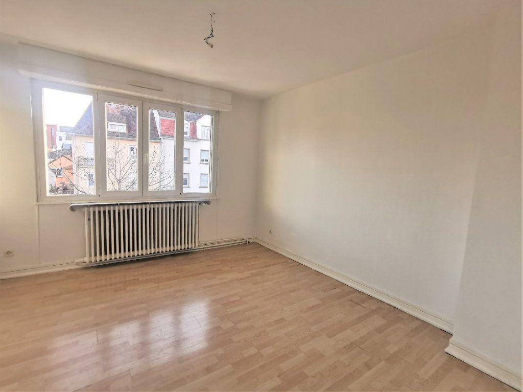 Appartement à louer 4 110.29m2 à Bischheim vignette-5